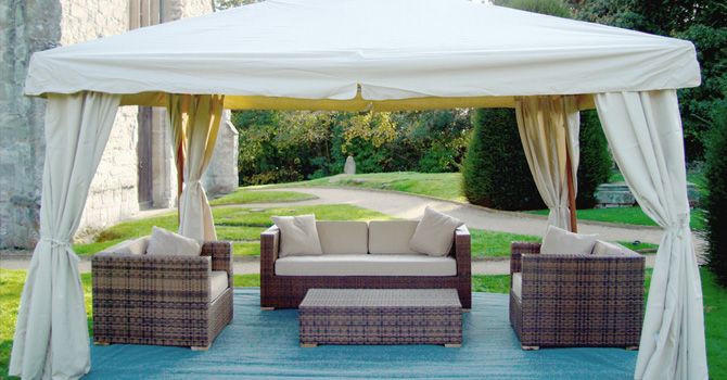 Making Outdoor Living Room with Garden Gazebo